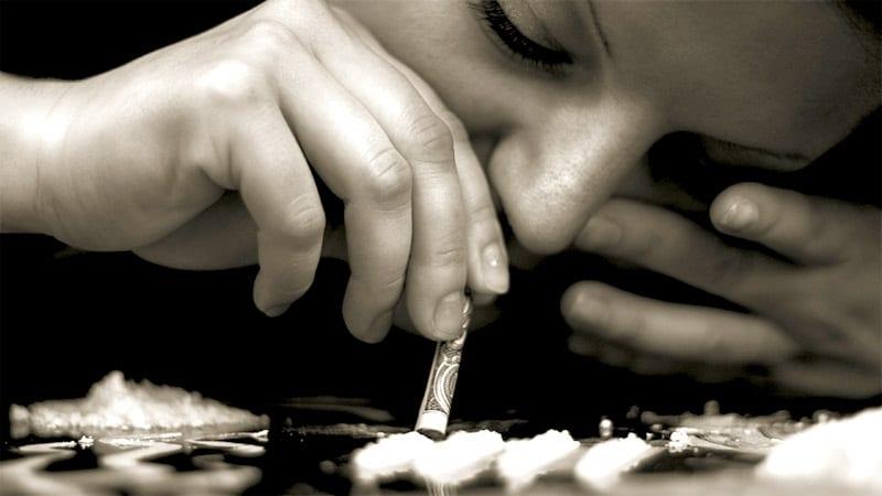 из чего делают кокаин