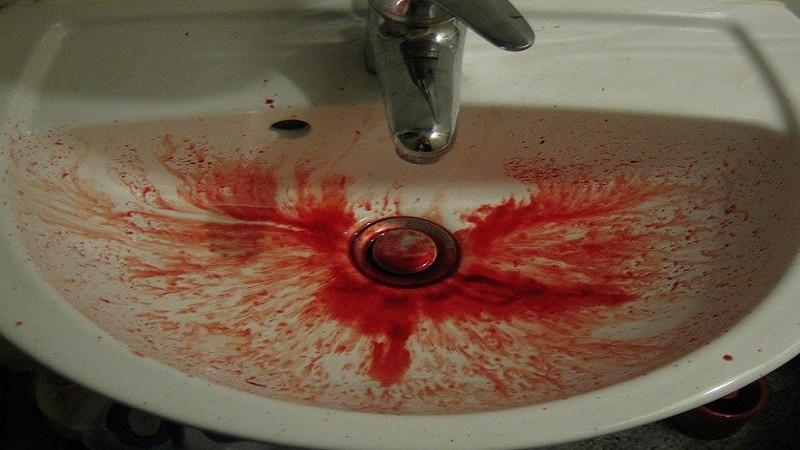 рвота с кровью у взрослого причины