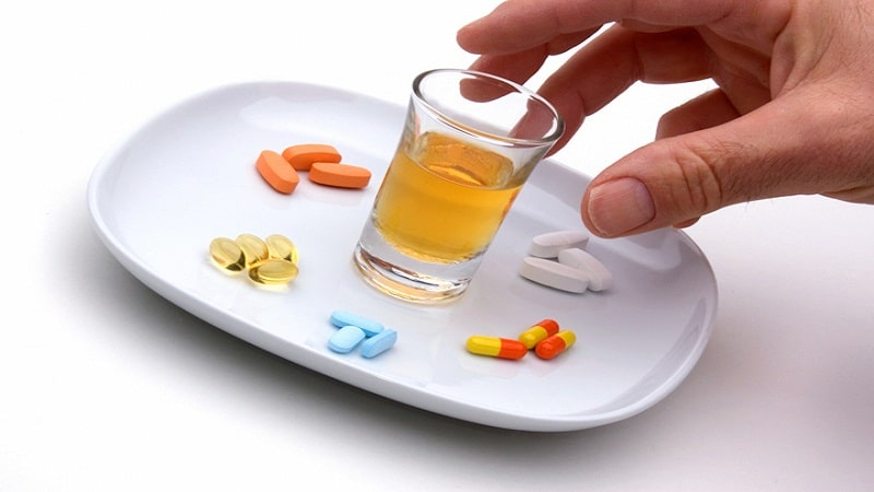 какие лекарства принимать при отравлении
