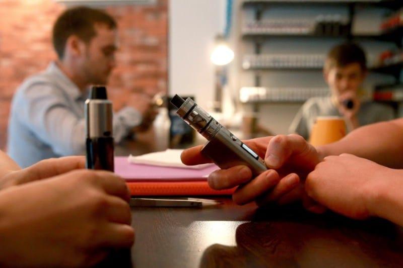 можно ли курить электронные сигареты в общественных местах