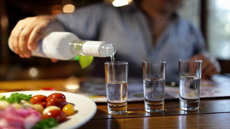 с чем пьют водку