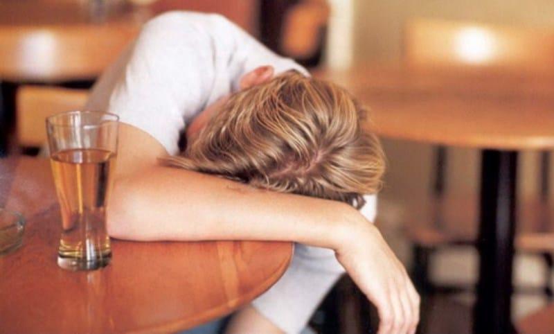 Как вывести из алкогольного состояния в домашних условиях 827