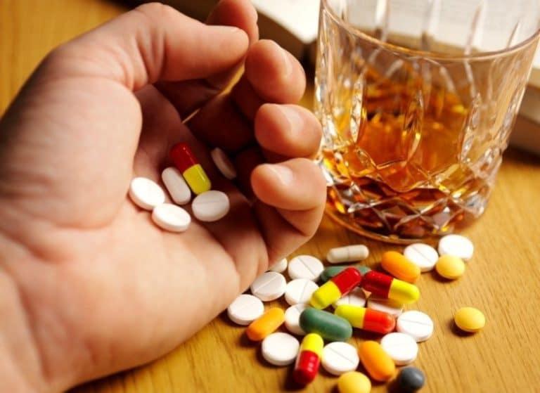 Как избавиться от алкоголизма медикаментозно