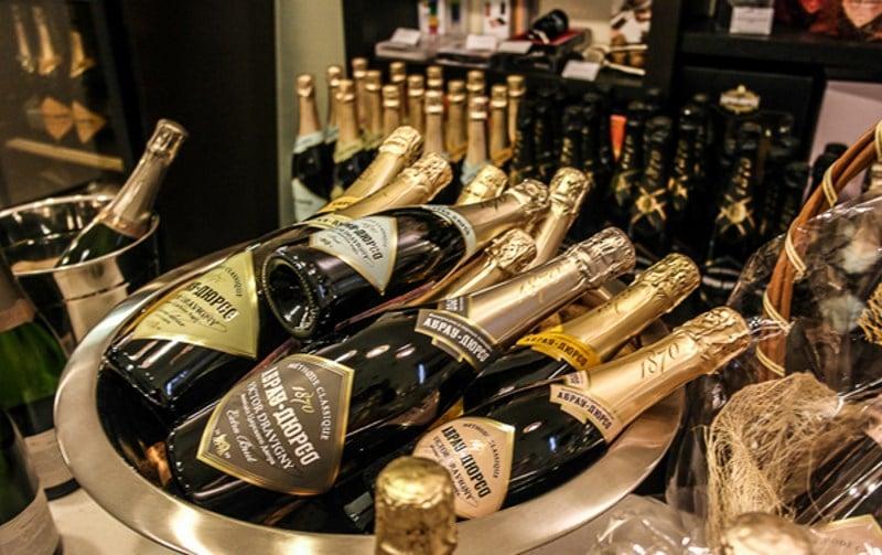 сколько бутылок в ящике шампанского