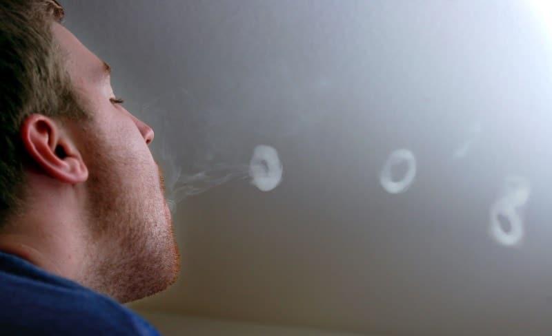 кольца кальянного дыма
