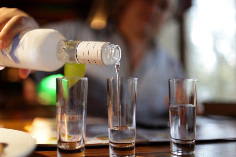 водка понижает давление или повышает