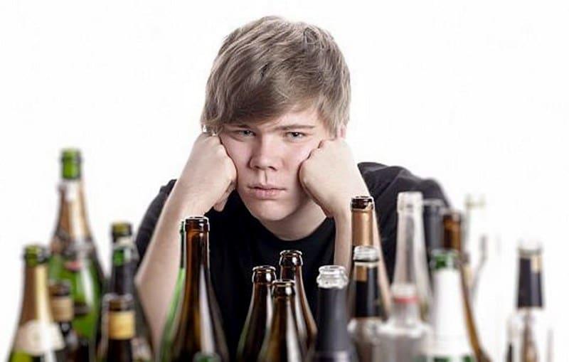распитие несовершеннолетними спиртных напитков статья